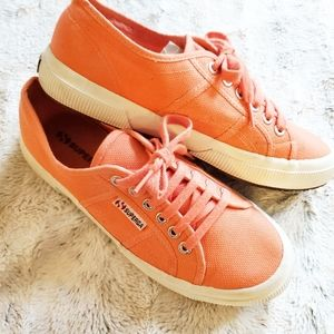 Superga Classic Coral Sneaker | US 8.5
